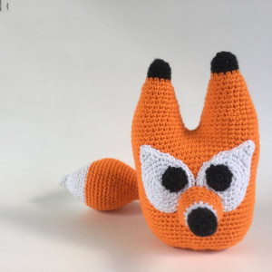 Fred the fox av UnkelDesign - DANSKT virkmönster - amigurumi 20 cm