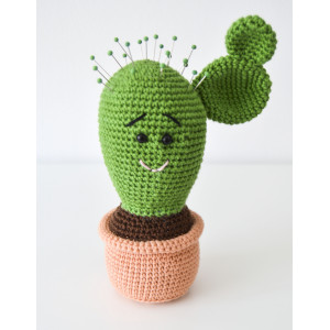 Kaktus-nåldyna av KreaLoui - DANSKT Virkmönster på nåldyna 18 cm