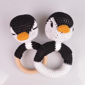 Pingvinskallror från Rito Krea - Skallra Virkmönster 13 cm