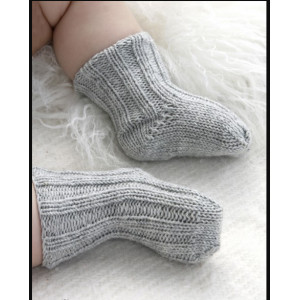 Baby Booties by DROPS Design - Babystrumpor Stick-mönster strl. 1/3 mdr - 3/4 år