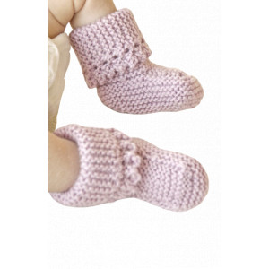 Lullaby Booties by DROPS Design - Baby Tofflor Stick-mönster strl. 0/1 mdr - 3/4 år