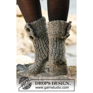 Moon Socks by DROPS Design - Tofflor Stick-opskrift strl. 35/37 - 40/42