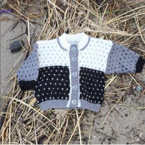 Mayflower Babytröja med Lusmönster - Tröja Stick-mönster strl. 1 mdr - 4 år