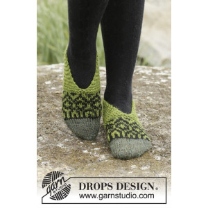 Olive Love by DROPS Design - Tofflor Stick-opskrift strl. 35/37 - 40/42