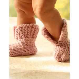 Little Peach by DROPS Design - Baby Poncho og Tofflor Stick-mönster strl. 1/3 mdr - 3/4 år