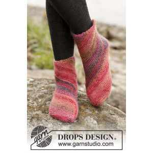 Red Sand by DROPS Design - Sockor Stick-opskrift strl. 35/37 - 41/43