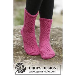 Isolde by DROPS Design - Sockor Stick-opskrift strl. 35/37 - 41/43