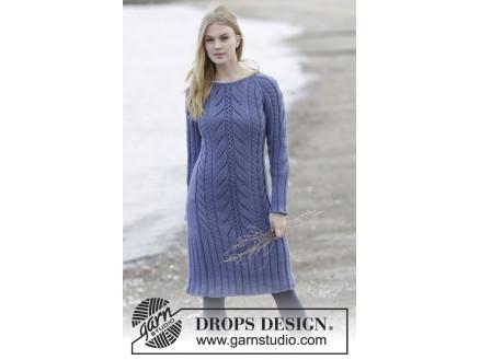 8416b91449f6 Regal Splendour by DROPS Design - Klänning Stick-opskrift str. S - XXXL