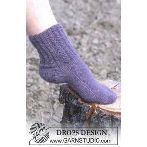 Cosy Rib Ankle Socks by DROPS Design - Sockor Stick-opskrift str. 35/37 - 42/44