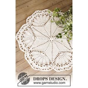 Sparkle & Shine by DROPS Design - Duk och Julgransmatta Virk-mönster 52 cm og 92 cm