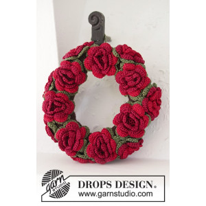 Christmas in Bloom by DROPS Design - Julkrans med blommor Virkmönster 22 cm