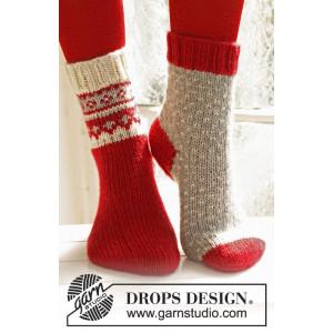 Twinkle Toes by DROPS Design 3 - Julstrlumpor Vinröd med mönster på skaftet Stick-opskrift strl. 22/23 - 41/43